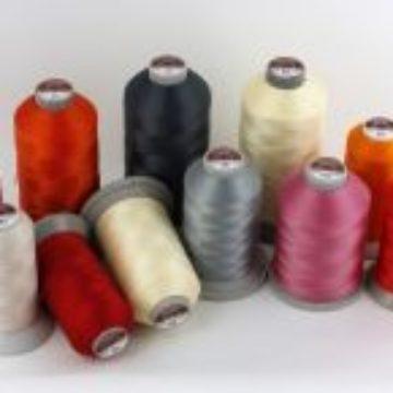 Przemysłowe nici poliestrowe o podwyższonym stopniu wytrzymałości na zrywanie. Wysoka odporności na czynniki zewnętrzne.